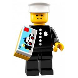 LEGO 71021 MINIFIGURES 18 POLICJANT